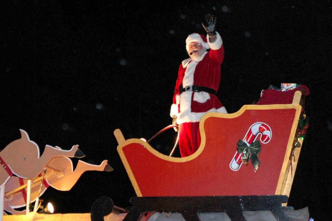 It's Santa! (Dawn Huddlestone)