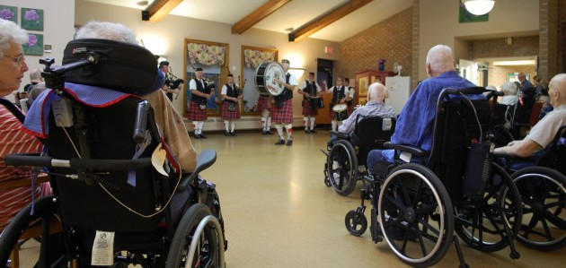 Cameron of Lochiel Pipes and Drums play at Fairvern Nursing Home