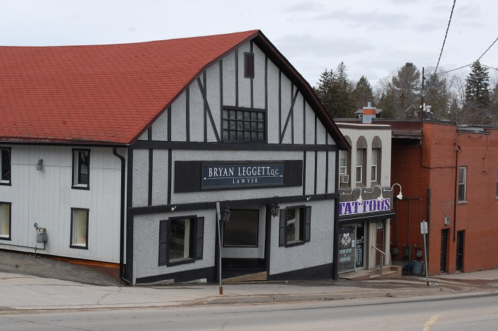 Over on Brunel Road, lawyer Brian Leggett has moved into the former Pinestead location with Empire Ink next door. Living Wood, which is across the street, will be moving to 44 Main Street East