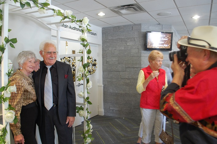 Shirley and Rudy Weiss (left) have their photo taken by Stephen DeCaro