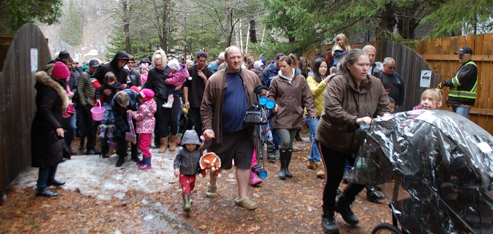 More than 600 people eagerly awaited the opening of the gate at Muskoka Heritage Place