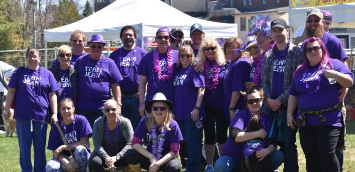 Team Jean was one of many teams who participated in the 10th annual Hike for Hospice event in memory of a loved one and in support of end-of-life care. This team has been participating in the hike for the past four years with over 30 hikers in honour of Jean McDonald.