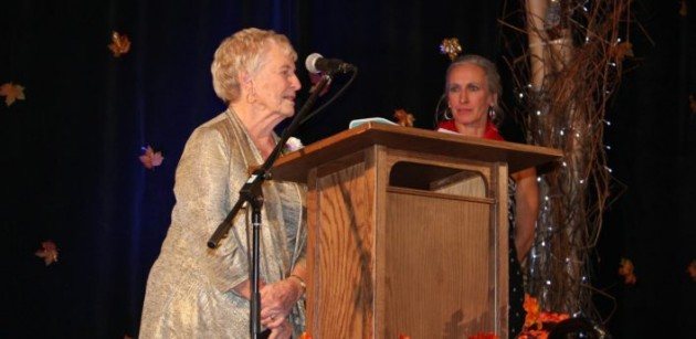 Diane Litchfield addresses guests at the 2019 YWCA Muskoka Women of Distinction Gala (Mandy Litchfield)