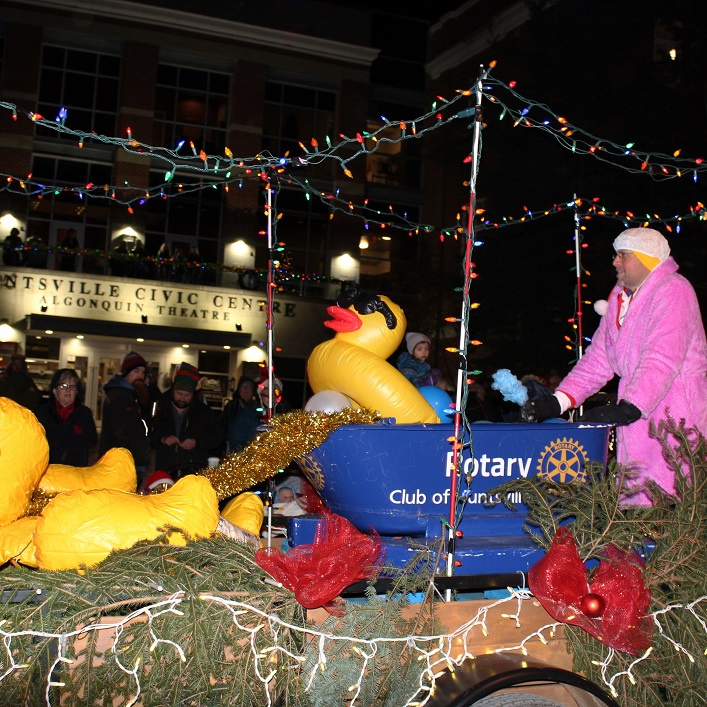 The Rotary Club of Huntsville added some rub-a-dub-dub (and a duck in a tub) to their float