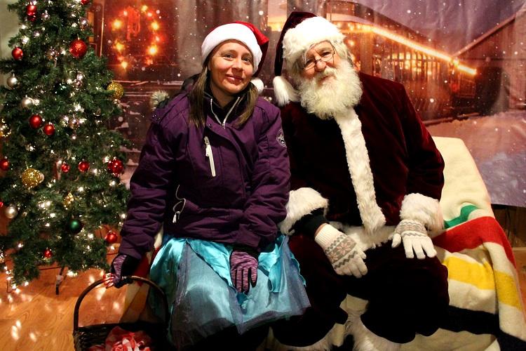 ...Santa and his helpful elf!