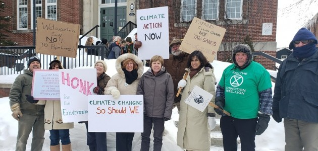 Huntsville climate strike at Town Hall on Feb,14, 2020 (Dawn Huddlestone)