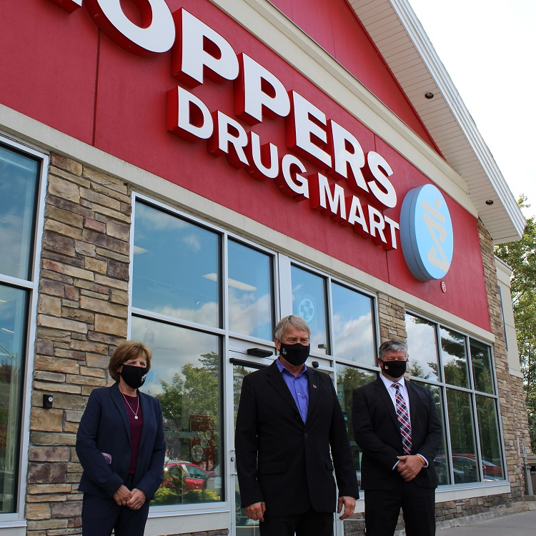 (From left) Mayor Karin Terziano, MPP Norm Miller, and MP Scott Aitchison at Huntsville's Shoppers Drug Mart (Dawn Huddlestone)