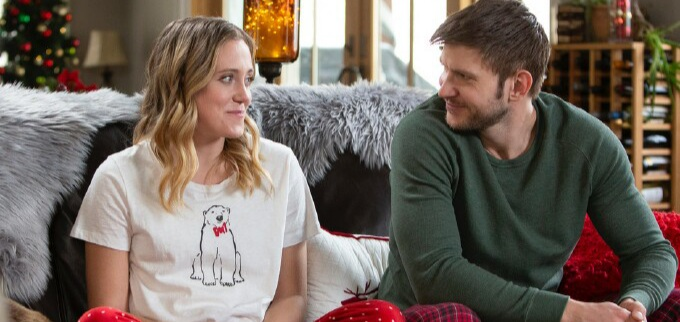 Bea Santos and Greyston Holt star in A Very Country Christmas: Homecoming (Netflix)