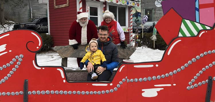 Santa and Mrs. Claus with Frankie (left) and Doug Allan (Sydney Allan)