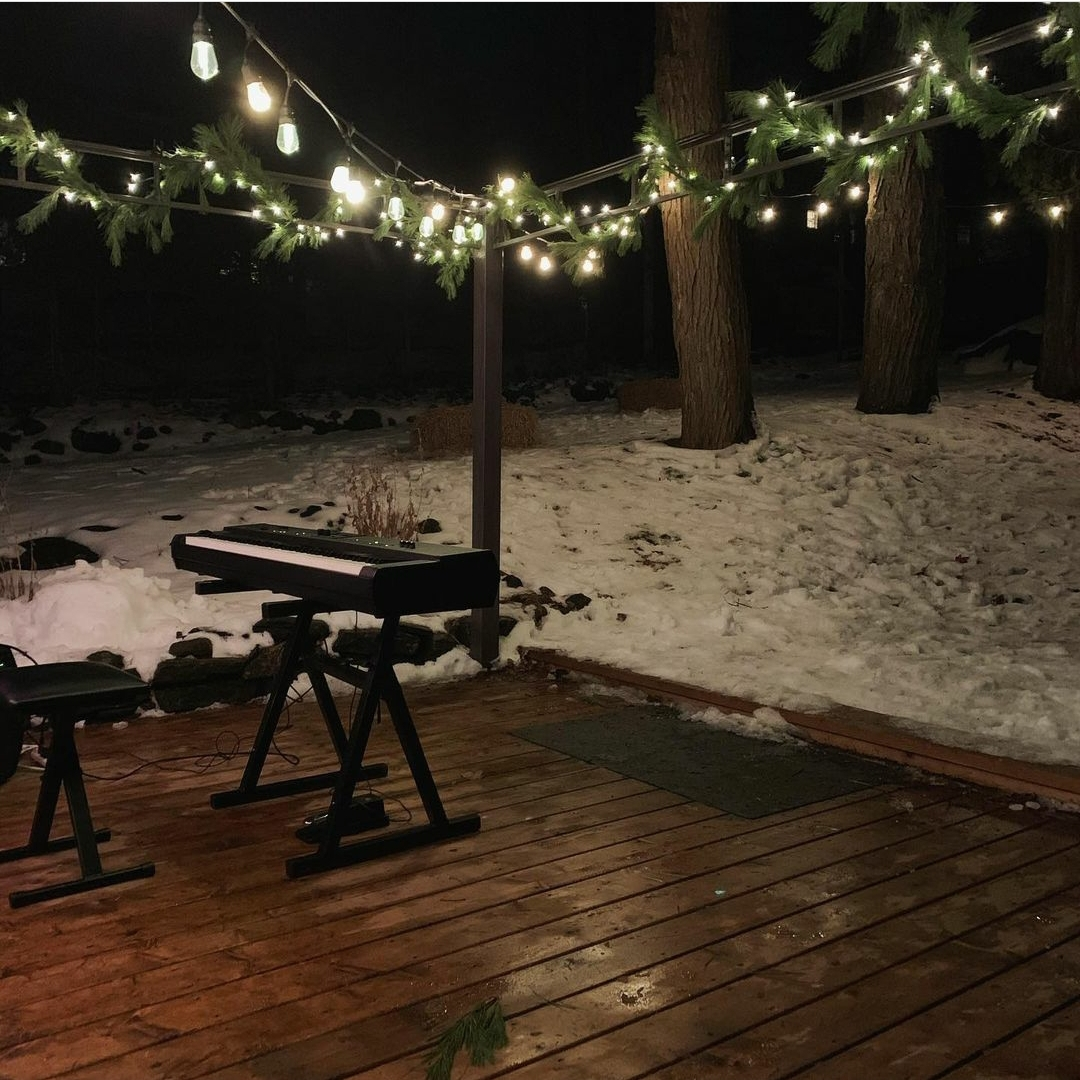 Sarah Spring's students played beneath twinkling lights on her deck (@sarahspring3 / Instagram)